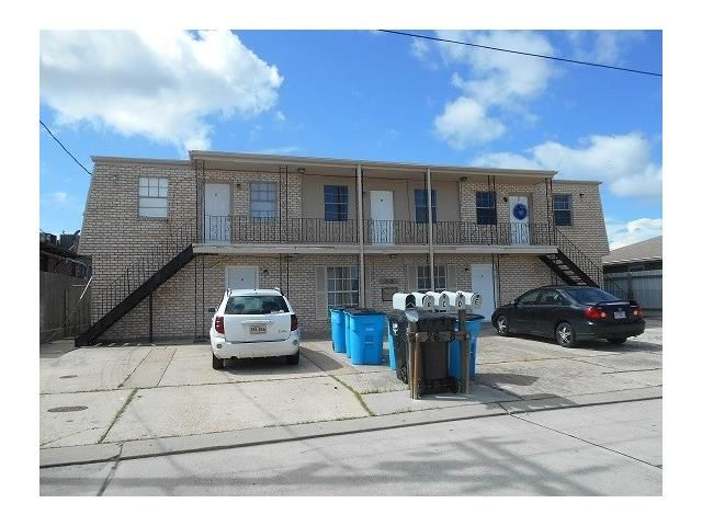 2608 Decomine Dr, Chalmette, LA - USA (photo 1)